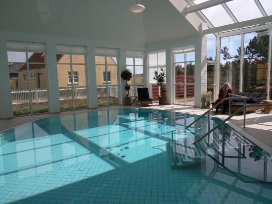 Ruths Hotel : Wonderful indoor heated pool.