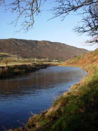 Helmsdale, UK: Looking upstream from the village
