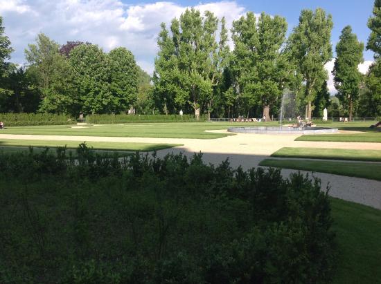 Mole antonelliana vista dai giardini reali torino italy scatti