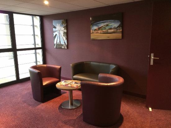 Comfort Suites Lyon Est Eurexpo : Comfort Suites Lyon
