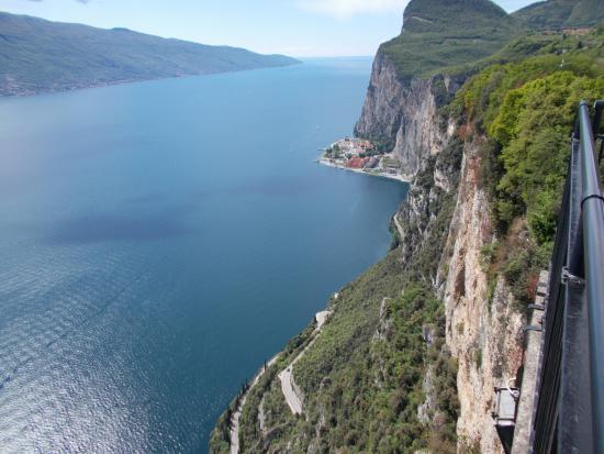 Parte della vista - Picture of Terrazza del Brivido, Tremosine ...