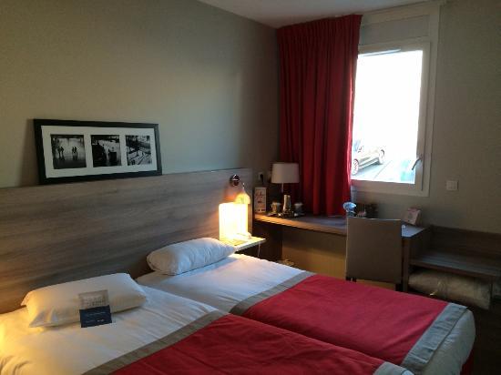 Kyriad Versailles - Saint Cyr L'Ecole: Kyriad Hotel Versailles