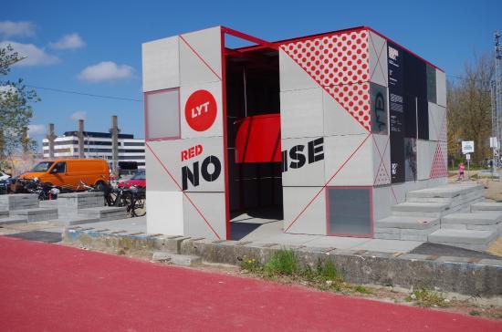 Roskilde, Danemark : Make some noise.