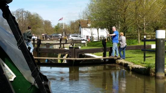 Godalming, UK: The lock on route