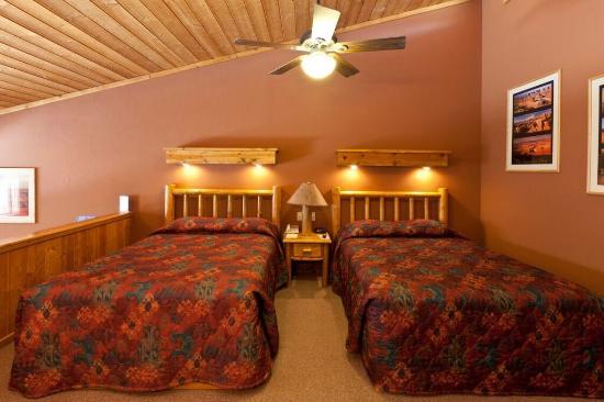 Red Cliffs Lodge: Creek Queen