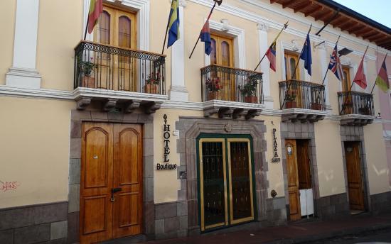 Hotel Boutique Plaza Sucre: The front entrance