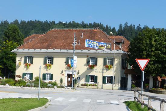 Begunje na Gorenjskem, Eslovênia: The Avsenik Restaurant Hotel