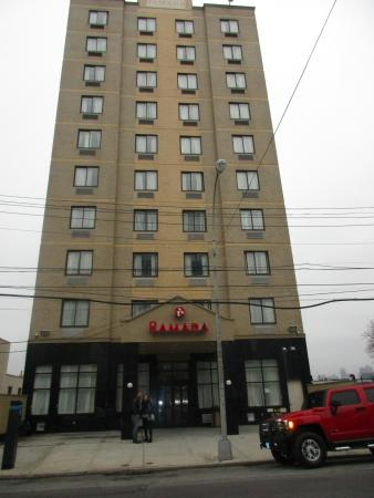 Ramada Jamaica Queens Hotel