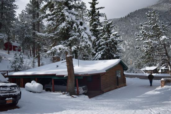Rocky Mountain Lodge & Cabins: The Log Cabin