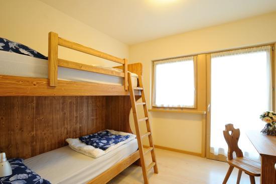Camera con letto a castello - Foto di Residenza Casale, Ponte Arche ...