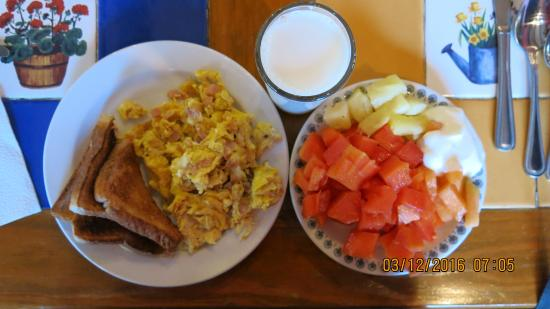 Nuevo Casas Grandes, Mexico: Breakfast Plate at the morning buffet
