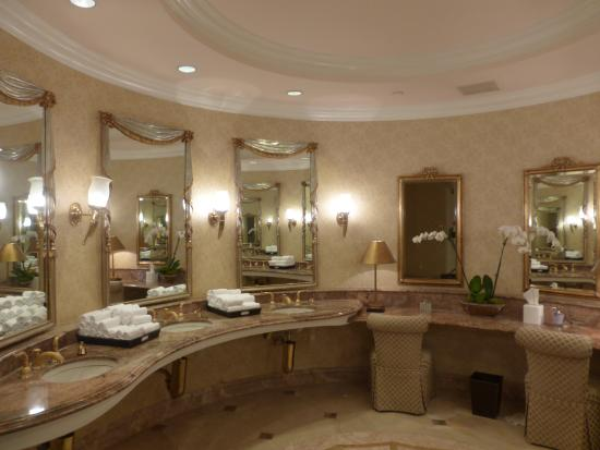 The Beverly Hills Hotel Womens Bathroom Off Lobby