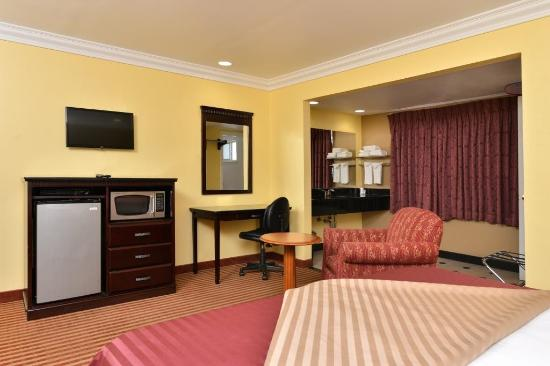 Americas Best Value Inn Downtown: Guest Room