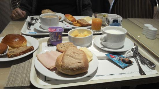 Hotel Dom Carlos Park: Desayuno