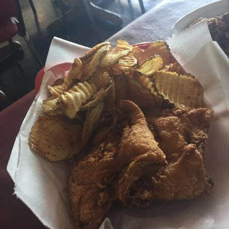 Grain Valley, Миссури: Chicken and Chips. Watch out Stroud's!