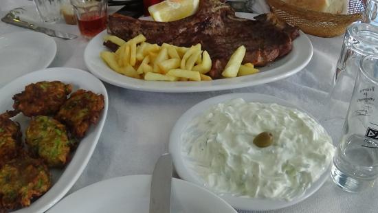Agios Prokopios, Grækenland: μοσχαρίσια μπριζόλα τεράστια!!
