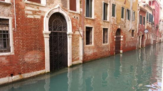 Provincia de Venecia, Italia: Every corner is like walking onto another film set. Such a magical place!