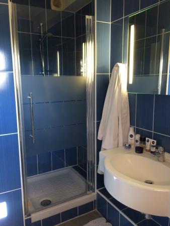 Hotel Romantica: agréable cabinet de toilette avec une jolie vue sur la campagne