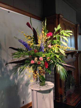 Charles City, IA: Floral Art is just one of the wonderful exhibits held here!