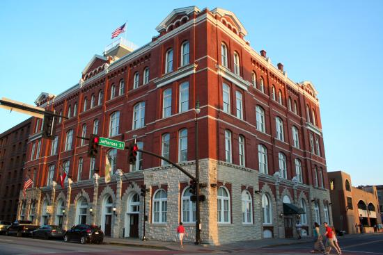 ‪Hotel Indigo Savannah Historic District‬