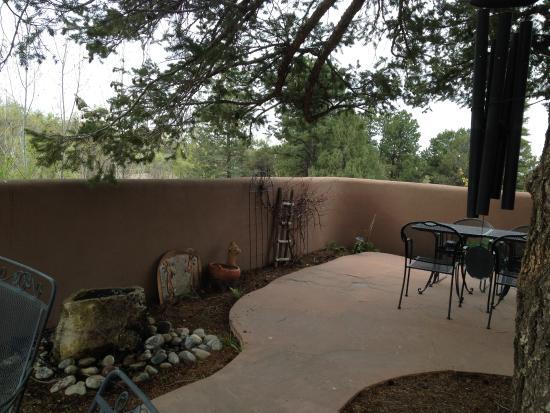 Casa Cuma Bed & Breakfast: Very private and peaceful patio.