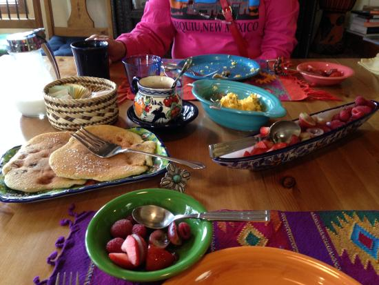 Casa Cuma Bed & Breakfast: Best breakfast!