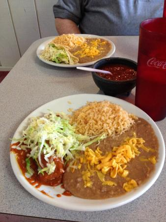 ‪‪Firebaugh‬, كاليفورنيا: Enchilada lunch special‬