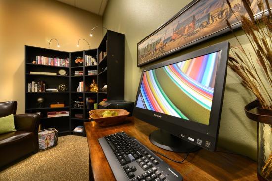 Yakima, WA: Business Center and Library