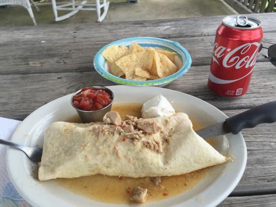 Rutherfordton, Βόρεια Καρολίνα: Green Chili Chicken Burrito