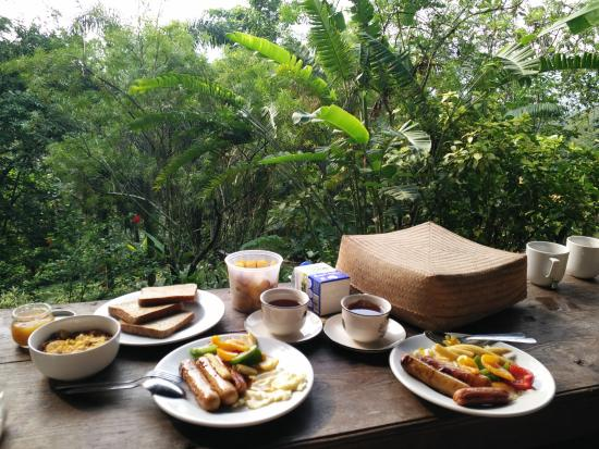 Taman Sari B&B: breakfast setup which were a mixture of our own food and food provided there