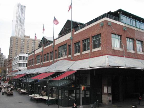 Fulton fish market new york city 2018 all you need to for Fulton fish market online