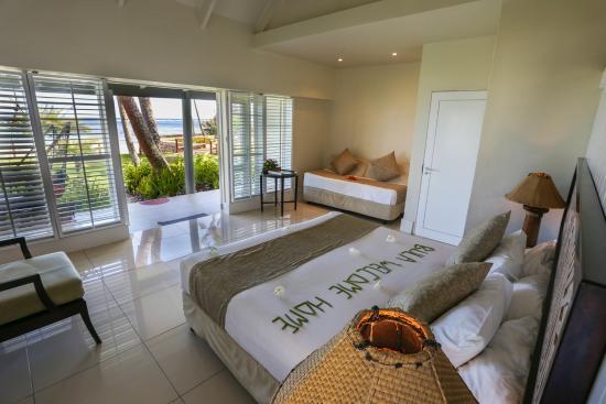 Fiji Hideaway Resort & Spa: Deluxe Beachront Bure