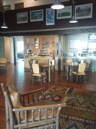 Campus Inn Missoula : We had a very nice time here. The price is just right for a family get away. Midweek is always a