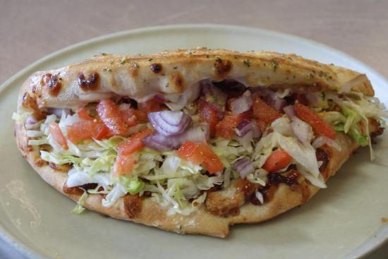 Pit Stop Pizza: Calzone