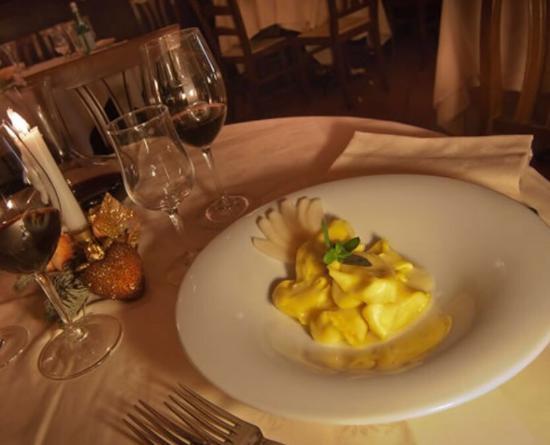 Ristorante La Giostra: Настоящий Тосканский ресторан с итальянской кухней . Оччччень достойное заведение . Полное соотв