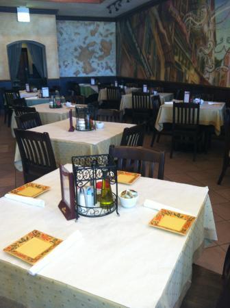Hillside, IL: Dining Room