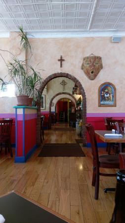 The Jalisco Cafe : lots of seating, nice decor