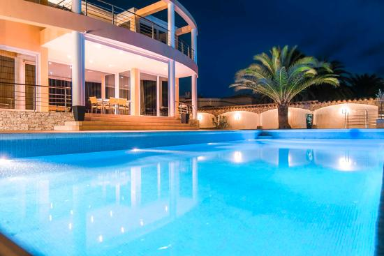 Pool - Picture of Bed & Breakfast Pani, Empuriabrava - Tripadvisor