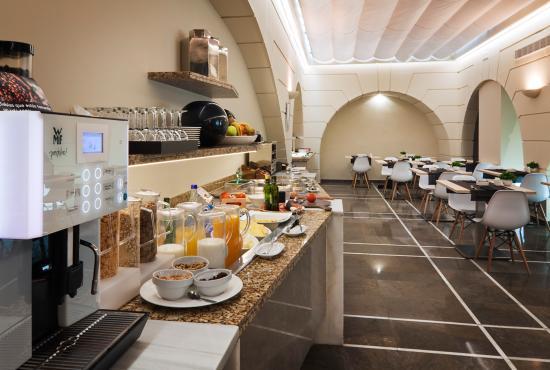 Catalonia Santa Justa Hotel : buffet