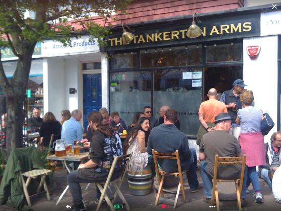 The Tankerton Arms: A Spring Sunday Afternoon