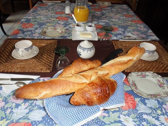 Montepilloy, Francia: Petits déjeuners traditionnels