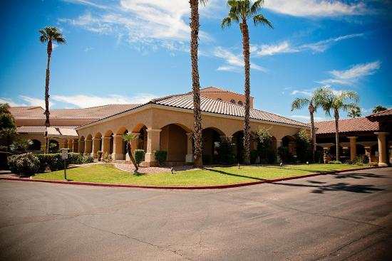 Photo of Embassy Suites Hotel Phoenix-North
