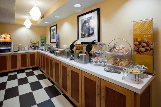 Wausau, WI: Breakfast Area
