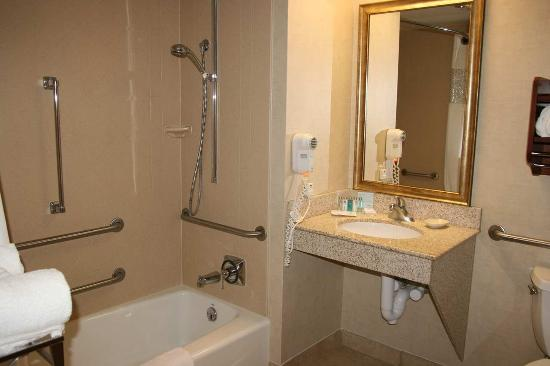 Wausau, WI: Accessible Bathroom