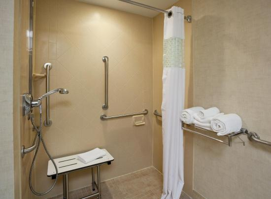 Wausau, WI: Accessible Roll-In Shower