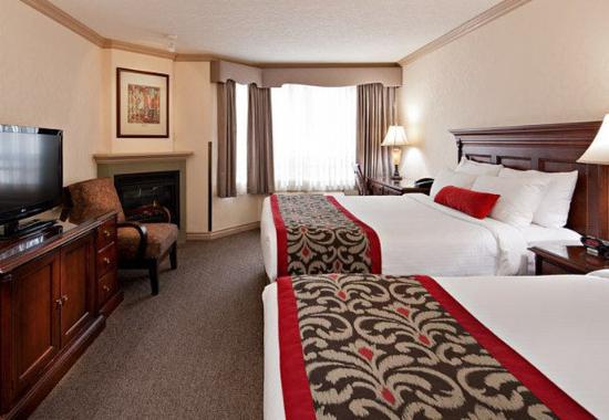 Delta Banff Royal Canadian Lodge: Queen/Queen Premier Guest Room
