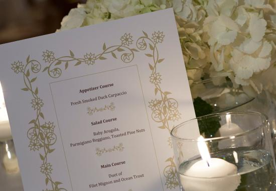 Warrensville Heights, OH: Ballroom – Wedding Details