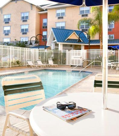 Hawthorne, Californië: Outdoor Pool