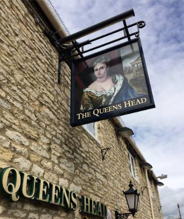 Eynsham, UK: The Most recent Queens Head Sign
