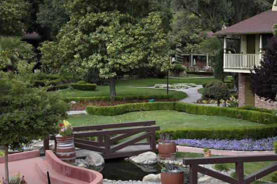 Paso Robles Inn: Stunning Grounds